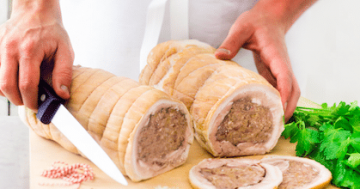 Poitrine de porc farcie cuite