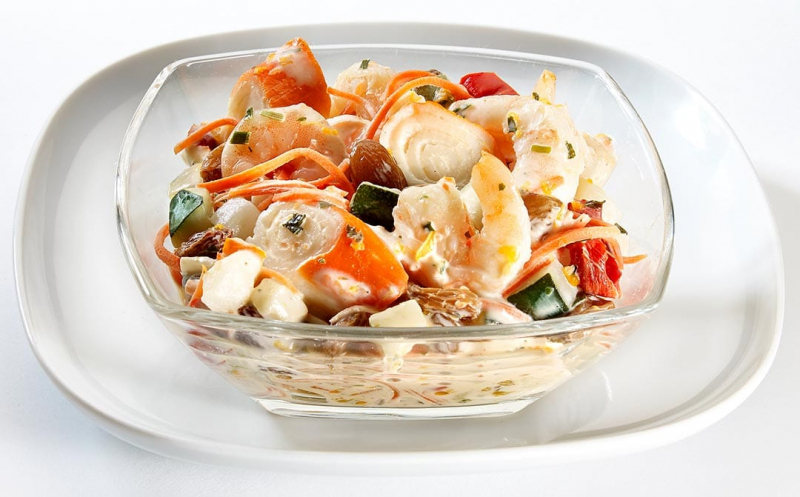 Salade de gambas, surimi et mandarines