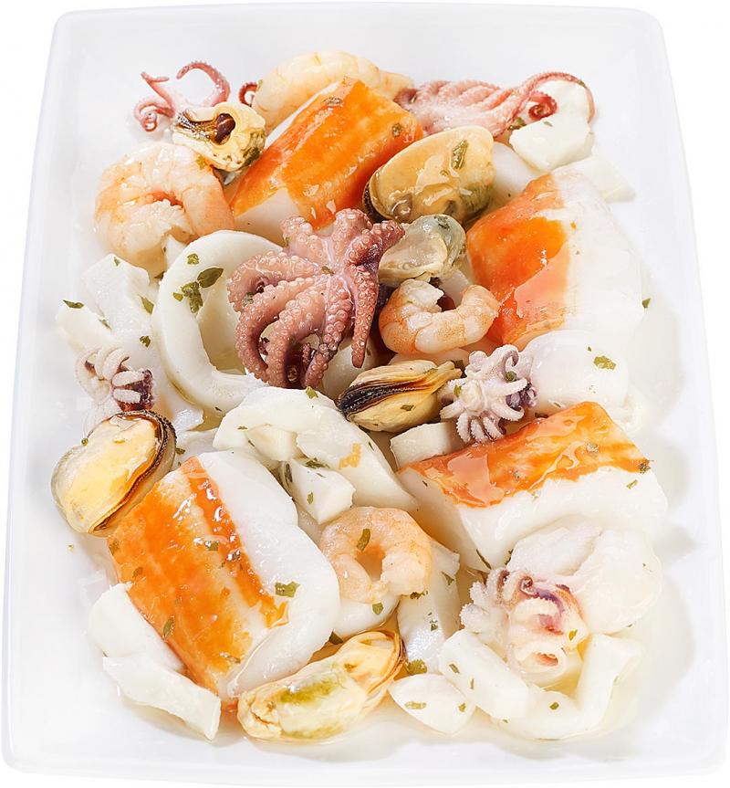 Salade de fruits de mer et surimi